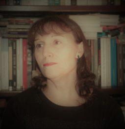 Maria Irene Aparício