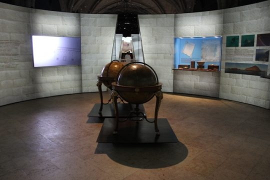 A história da ocupação humana de um dos emirados árabes é contada no Museu Nacional de Arqueologia pelo IAP
