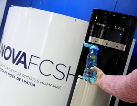 NOVA FCSH disponibiliza novos dispensadores de água